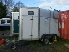Horsetrailer, Carries 1 stall - Derbyshire