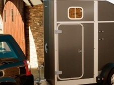 Horsetrailer, Carries 1 stall - Cheshire