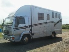 Horsebox, Carries 3 stalls V Reg - Lancashire