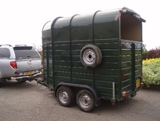 Horsetrailer, Carries 2 stalls - Buckinghamshire