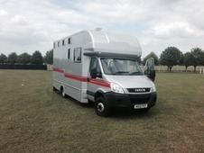 Iveco CHALLENGER 2 STALL George Smith Horse Box