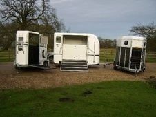 Horsetrailer, Carries 2 stalls - Nottinghamshire