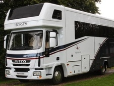 Horsebox, Carries 3 stalls 12 Reg with Living - North Yorkshire