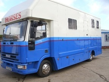Horsebox, Carries 4 stalls Y Reg - Derbyshire