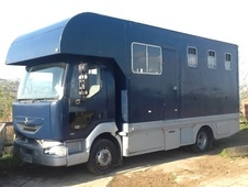 Horsebox, Carries 3 stalls W Reg with Living - Cheshire
