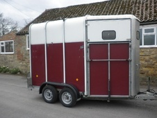 Horsetrailer, Carries 2 stalls - North Yorkshire