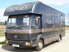 Horsebox, Carries 3 stalls J Reg with Living - Northamptonshire