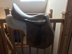 17'' GORGEOUS STUBBEN SADDLE