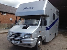 Horsebox, Carries 2 stalls X Reg with Living - Cheshire