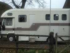 Horsebox, Carries 3 stalls F Reg - West Sussex