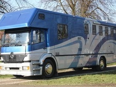 Horsebox, Carries 5 stalls 51 Reg with Living - North Yorkshire