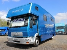 Horsebox, Carries 3 stalls 03 Reg with Living - Worcestershire