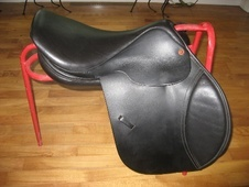 Comfort 4* Jumping Saddle - Virtually Brand NEW! - Wiltshire