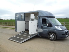 Horsebox, Carries 2 stalls 11 Reg - Northamptonshire