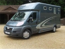 Horsebox, Carries 2 stalls 12 Reg - Cheshire