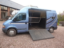 Renault Master Horse lorry