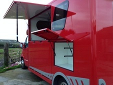 Horsebox, Carries 2 stalls 58 Reg - Staffordshire