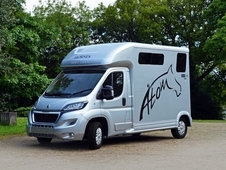 Equi-Trek New Atom Horsebox 3.5 Tonne