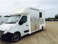 3. 5t horsebox Vauxhall movano new build Renault master