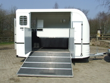 Horsetrailer, Carries 2 stalls hire or buy