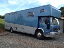 Horsebox, Carries 6 stalls 52 Reg - Warwickshire