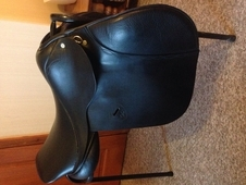 17 inch black leather saddle