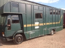 Horsebox, Carries 3 stalls E Reg - West Midlands