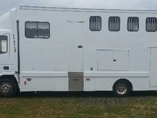 Horsebox, Carries 4 stalls V Reg - Cheshire