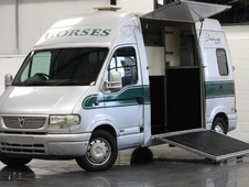 Horsebox, Carries 2 stalls 51 Reg with Living - North Yorkshire