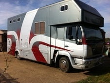 Reduced - Bargain Superb 7. 5t 3 Horse Lorry With Large Luxury Li...