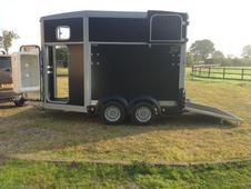 Ifor Williams 511 (as New) Horsetrailer