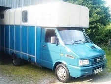 3. 5 T Iveco Horsebox with Living