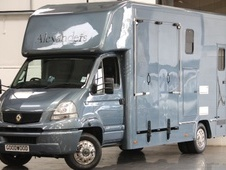 Horsebox, Carries 2 stalls 56 Reg with Living - North Yorkshire