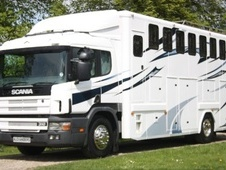 Horsebox, Carries 9 stalls P Reg - North Yorkshire