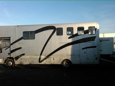 Well maintained 7. 5t horsebox for sale