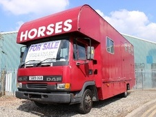 Horsebox, Carries 3 stalls S Reg with Living - Worcestershire