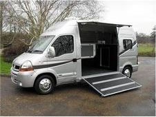 Horsebox, Carries 2 stalls - Kent