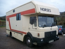 Horsebox, Carries 3 stalls B Reg - Devon