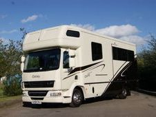 Horsebox, Carries 3 stalls with Living - Hertfordshire