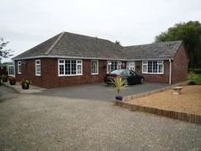 Bungalow for sale in Lincolnshire