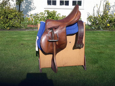 "Saddle, English leather 171/2"", Turf and Travel Cavalier with tack"