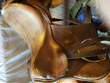 Saddle for sale. Brown 16