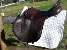 BROWN ALBION K2 SADDLE 17. 5/18 WIDE FOR SALE