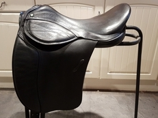 Dressage Saddle - Freedom Holistic (Black), 17""