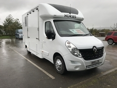 HAMPTONS HORSE BOXES 2015 RENAULT MASTER - NEW BUILD, 45,000 MILES, 12 MONTHS BUILD WARRANTY, 3 MONTHS ENGINE WARRANTY