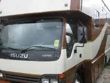 HORSE BOX ON 2004 ISUZU