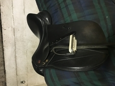 "LOVELY 17. 5"" KENT AND MASTERS SADDLE"