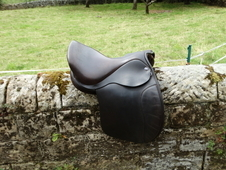 Balance saddle for cob/ wide barrelled horses