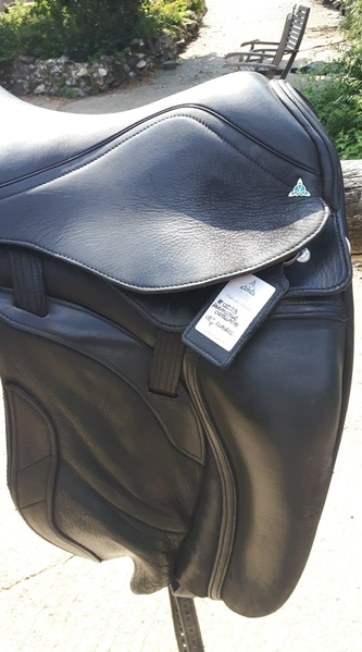 Bliss paramour dressage saddle 18""
