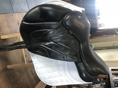 Black WOW Saddle 17''